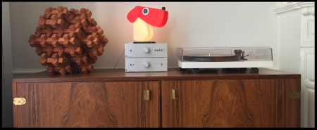 Lampe-a-poser-chien-cassetta-rouge-blanc-h19-5cm-l18cm-camtecs-engenering-normal
