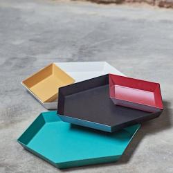 Kaleido-plateaux-acier-laque-existe-cinq-astucieuses-formes-geometriques-usages-multiples